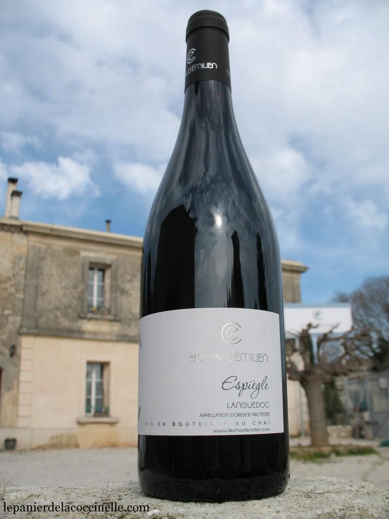 Chai-d'Émilien-vin-rouge-AOC-Languedoc-Espiègle