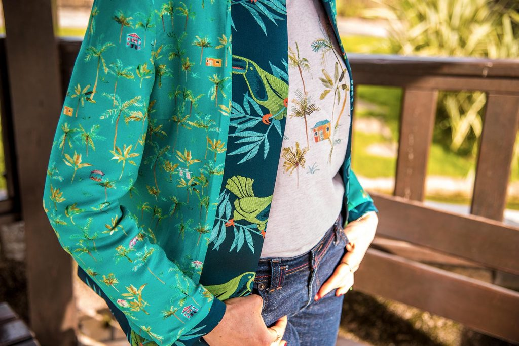 Vêtements eco-responsables de la marque française de mode éthique Bleu Tango, présentés par la blogueuse Mademoiselle Coccinelle. Créations inspirées de l'Île de la Réunion.